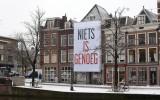 Niets is Genoeg geveldoek in Leiden